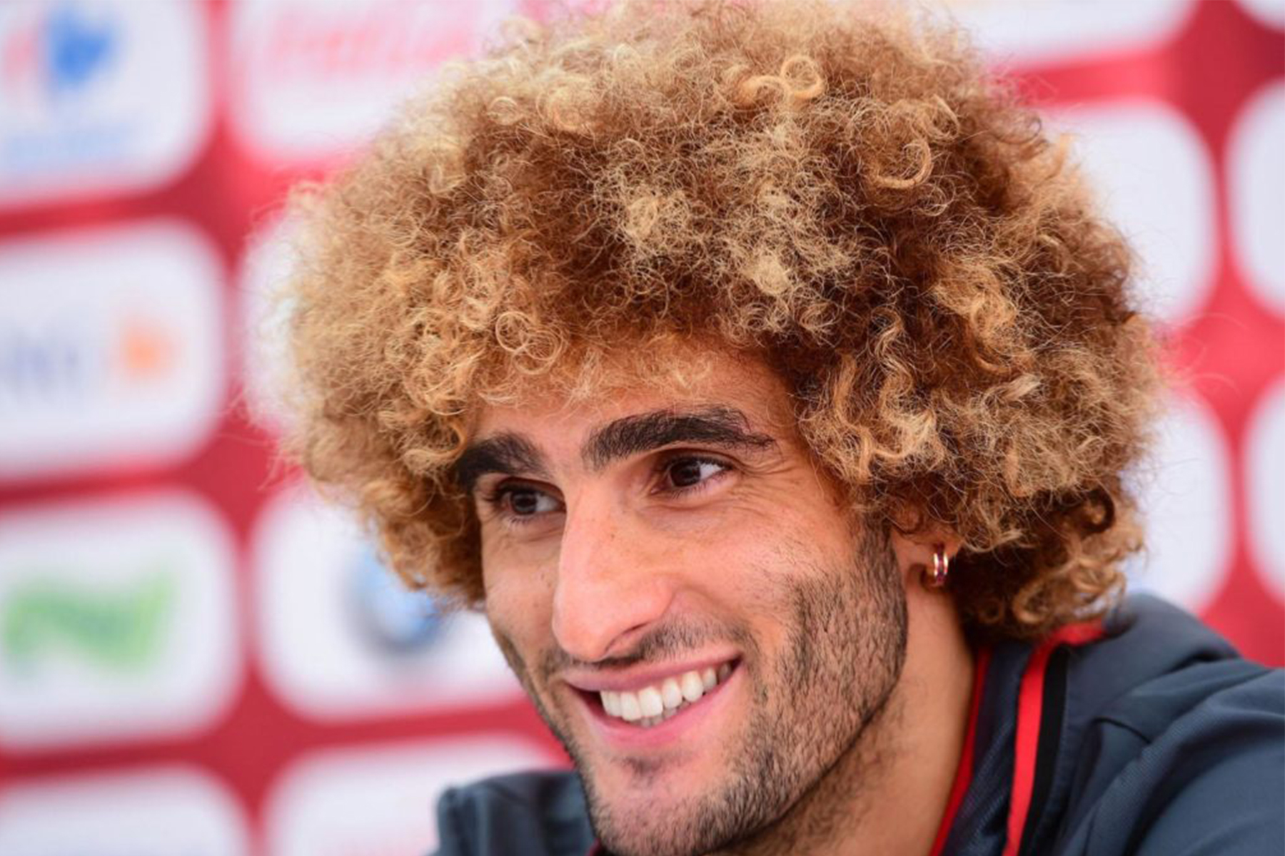 ¡Radical! Fellaini cambia de look