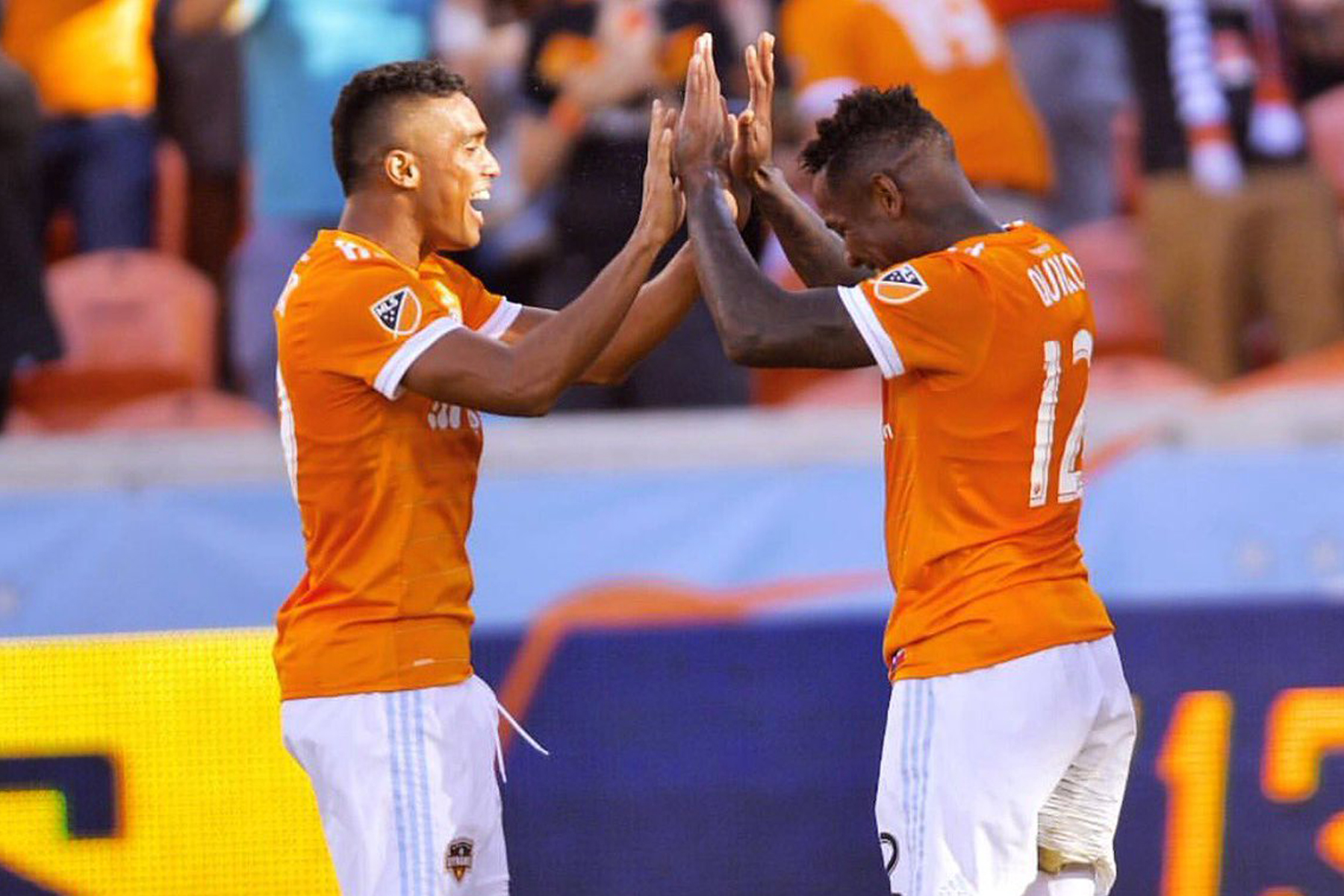 VIDEO: Lesionan a Romell Quioto tras golazo con el Houston Dynamo