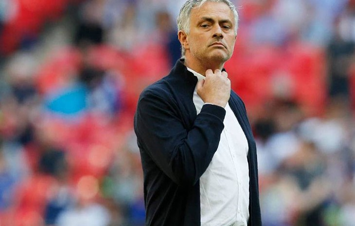Manchester United pagó €22 millones a Mourinho